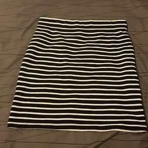 Black and white striped stretchy pencil skirt